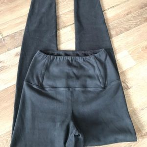 Wilfred Free Leggings From Aritzia